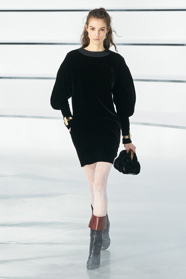 Chanel_Autunno Inverno 2020/2021_Fashion Trend_Little Black Dress in velluto