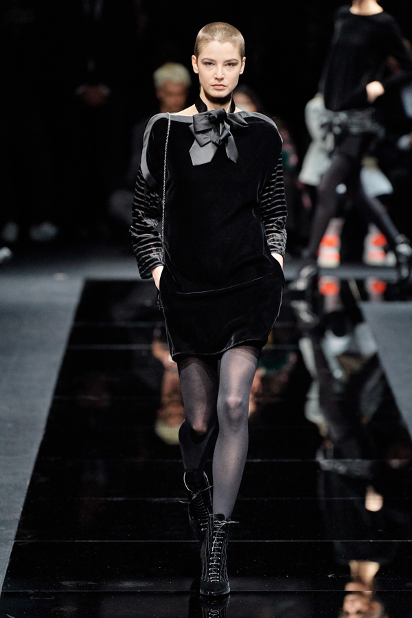 Emporio Armani_Autunno Inverno 2020/2021_Fashion Trend_Little Black Dress in velluto