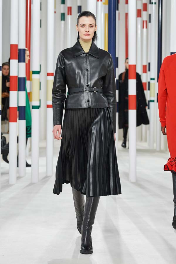 Hermès Autunno Inverno 2020 2021, Fashion Trend total look in pelle nera